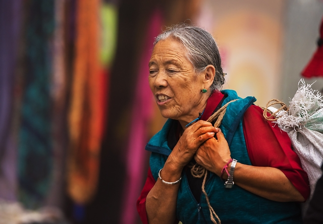 """Тибетские женщины(из серии """"ТИБЕТ в изгнании"""")"""