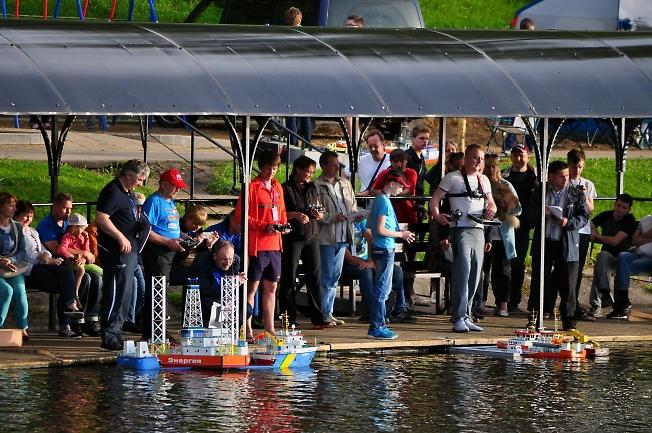Соревнования по судомодельному спорту на Келарском пруду