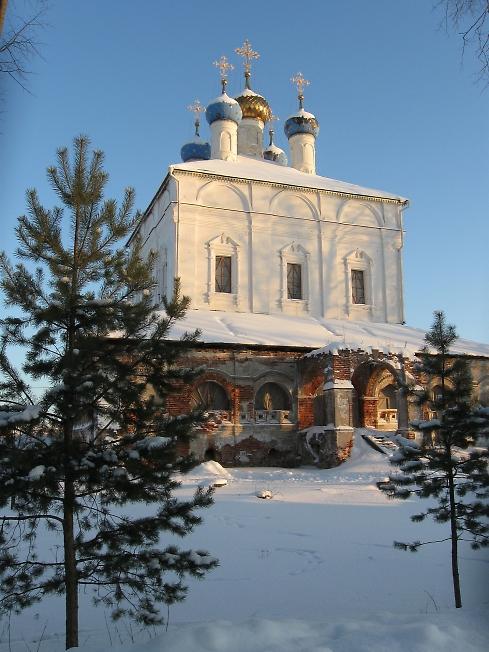 Храм Рождества Пресвятой Богородицы в Богородице-Рождественской Свято-Лукиановой мужской пустыни.