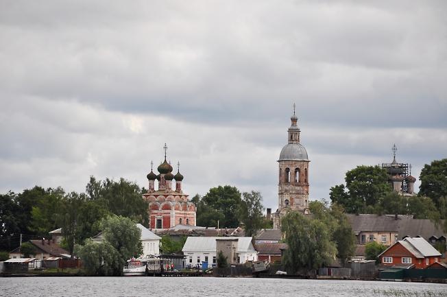 На берегах озера Селигер в г. Осташков