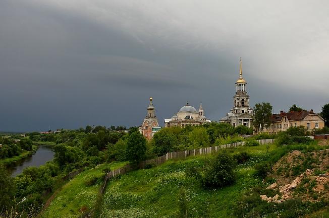 г.Торжок. Вид на Борисоглебский мужской монастырь.