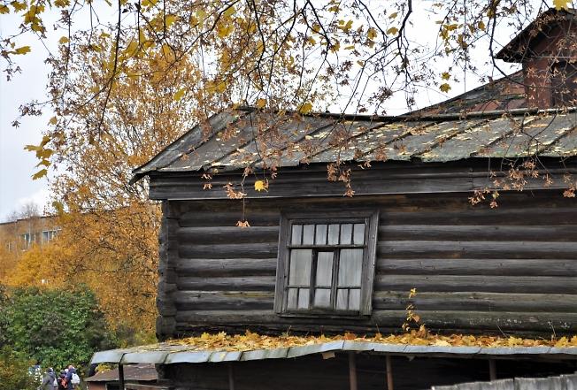 Осень шуршит по крыше...